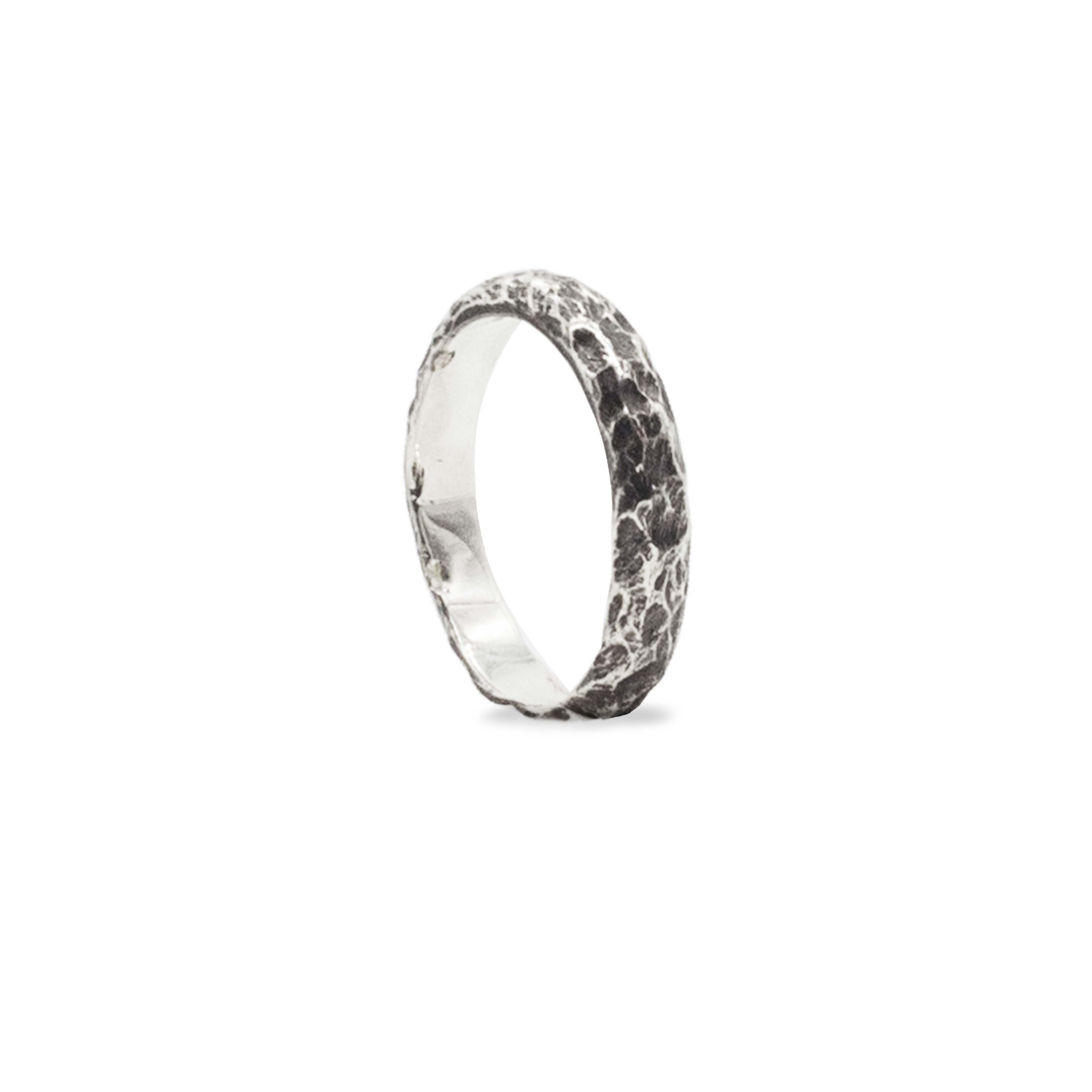 Dione, Anello fedina in argento 925 brunito Rawsen