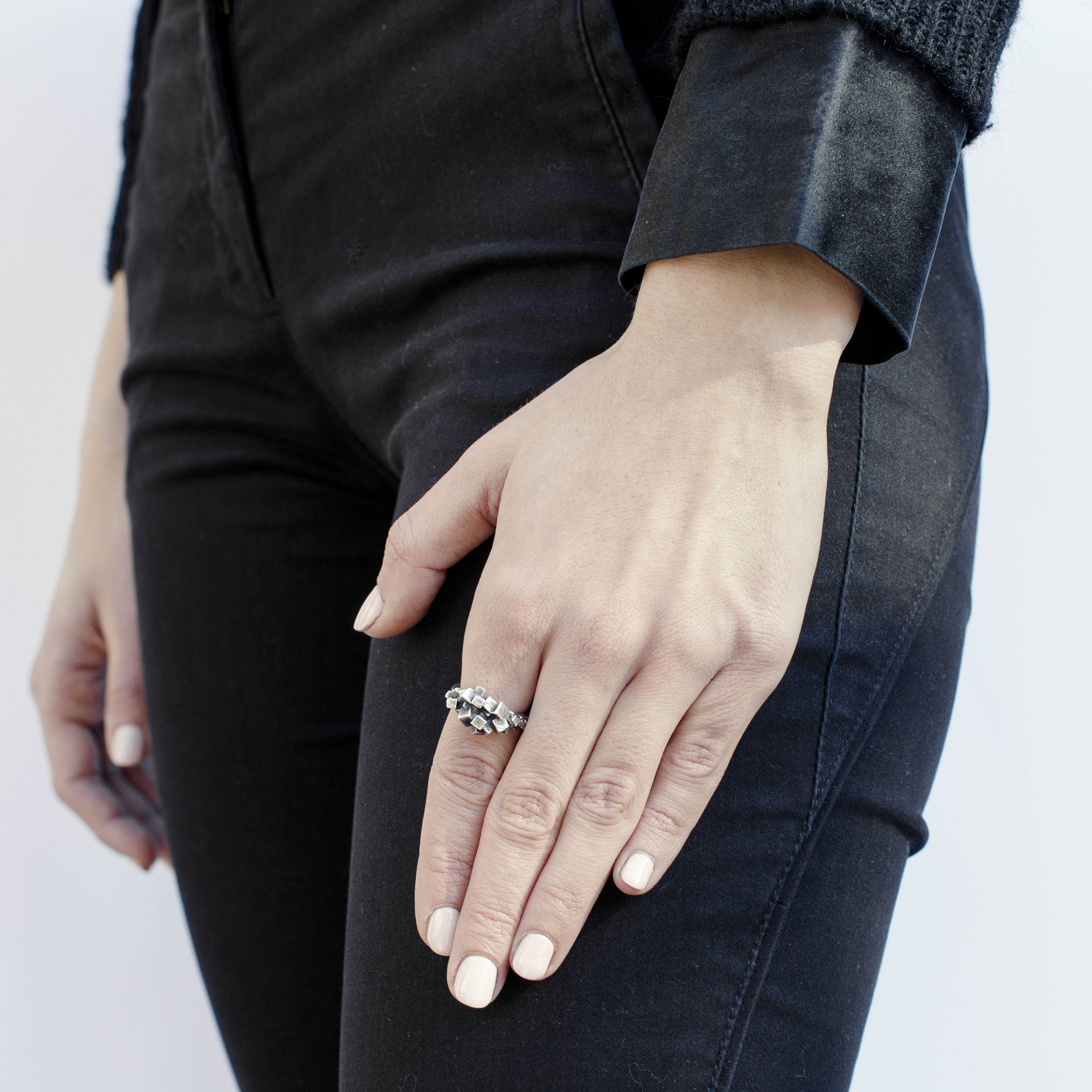 anello con cubi in argento rawsen