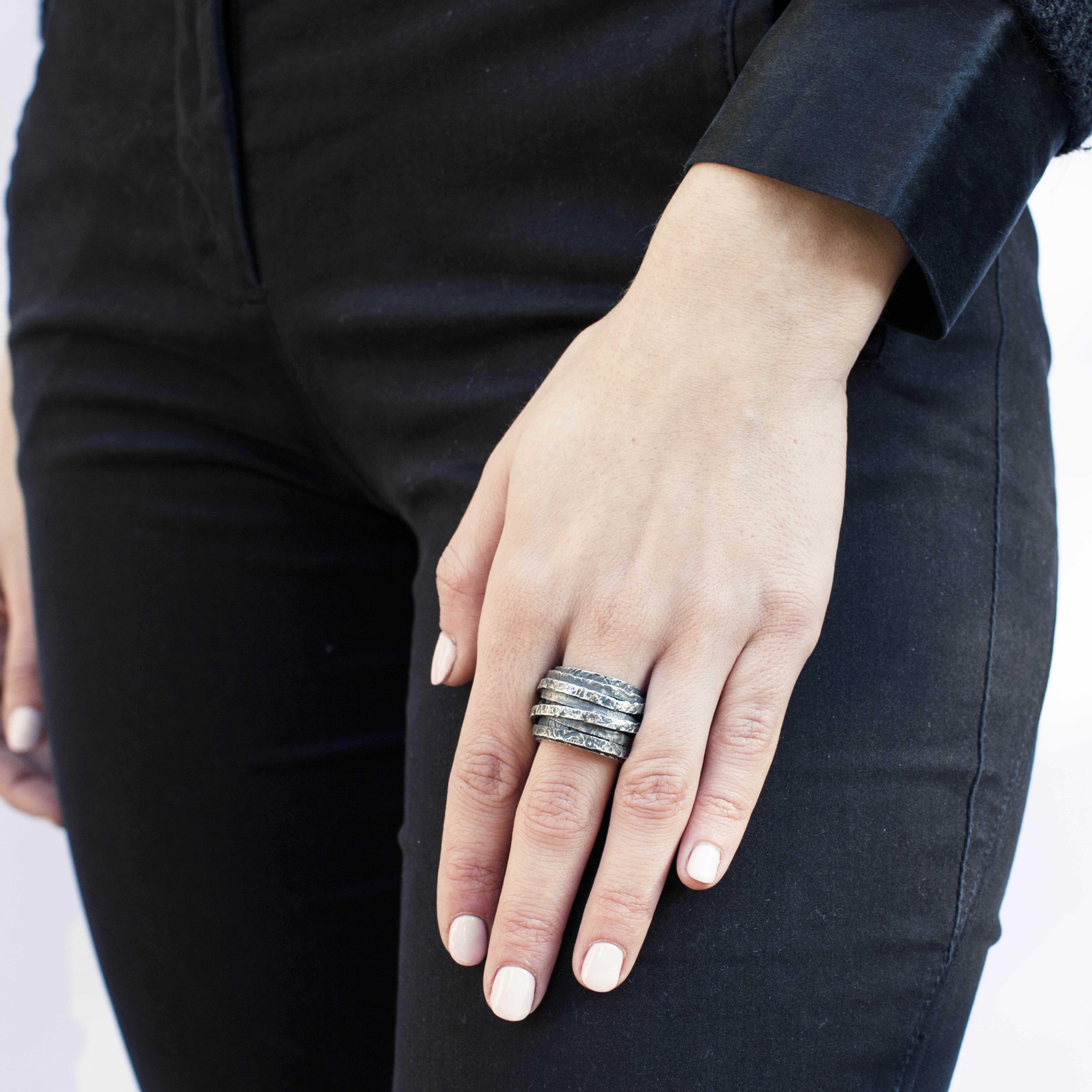 anello a fasce in argento rawsen