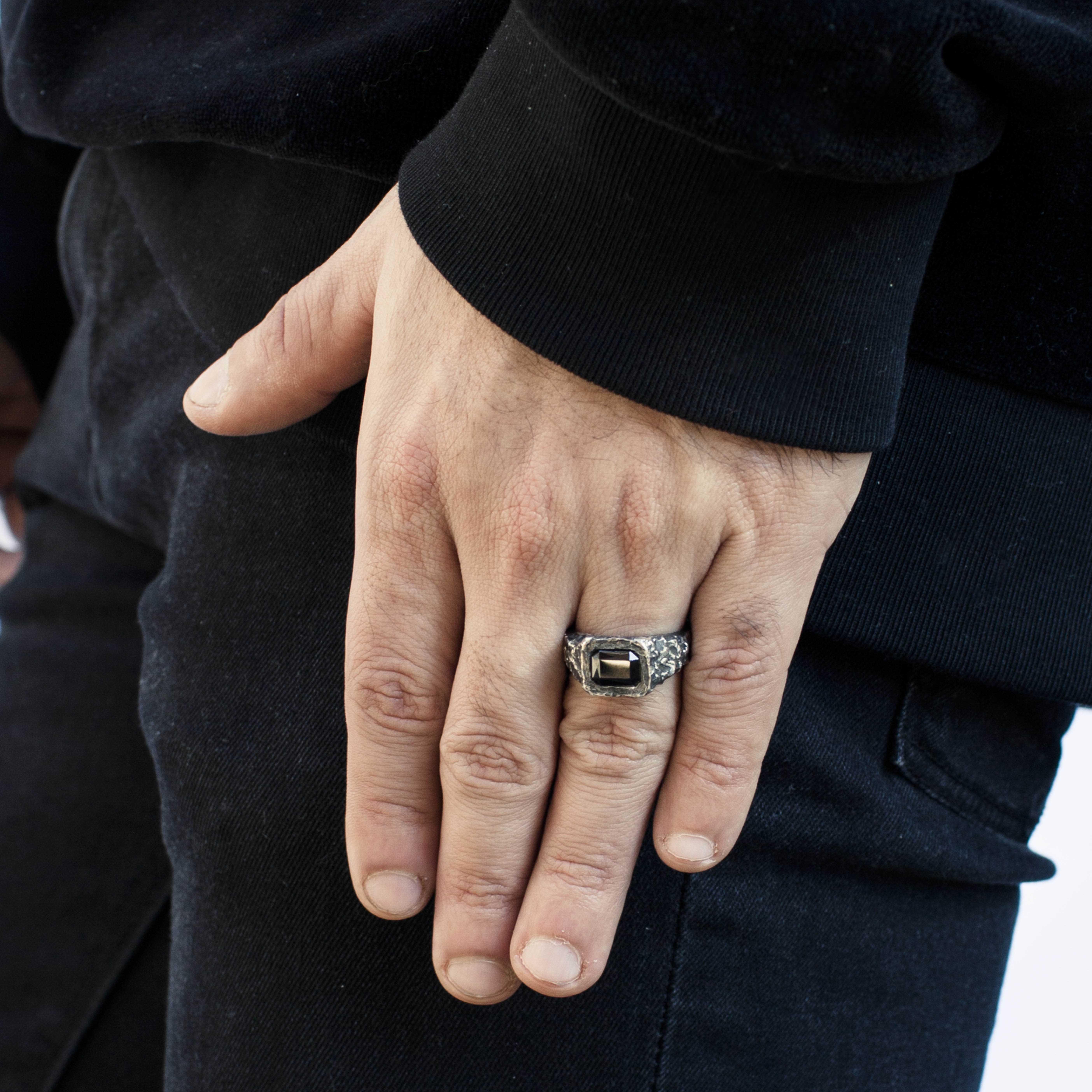 anello con granata incatenata rawsen