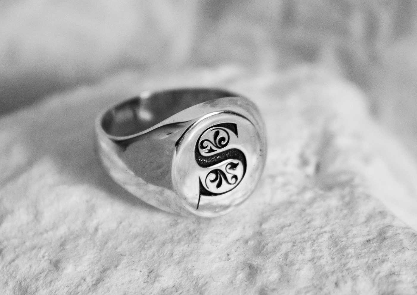 Custom silver rings. Unique silver rings made in Italy